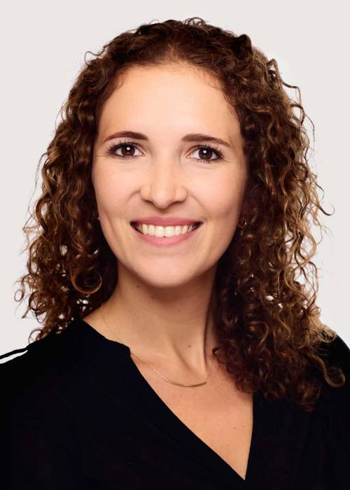 Alexandra Riedel (Business Development Manager)
