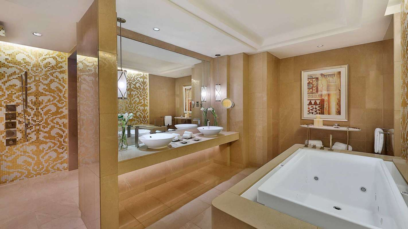 The Ritz Carlton, Dubai Royal Suite Badezimmer