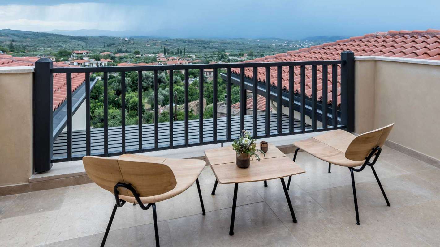 Euphoria Retreat Mystras Suite Balkon