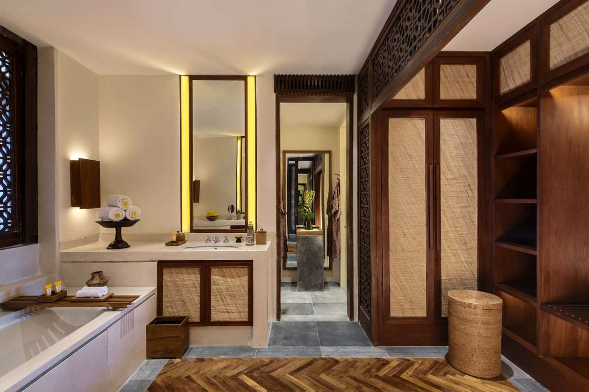 The Legian Lombok Suite Badezimmer