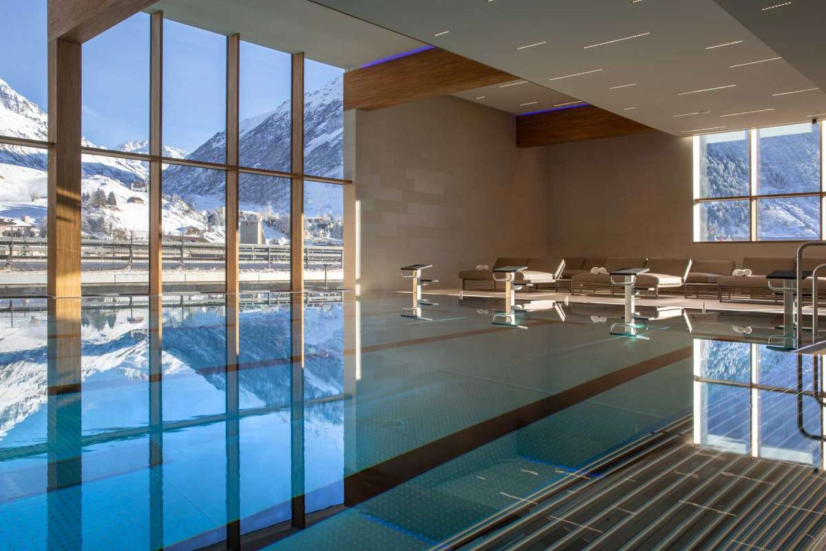 Radisson Blu Hotel Reussen Andermatt Indoor Pool